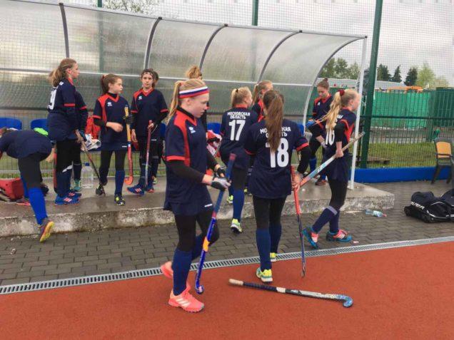 В г. Москве продолжается Первенство России по хоккею на траве среди девушек