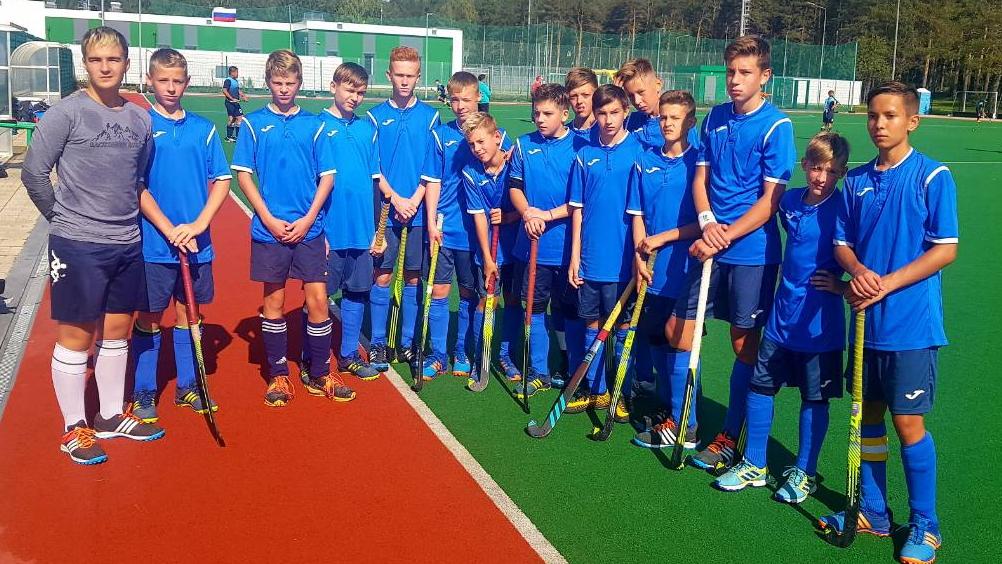 Первенство России по хоккею на траве среди юноше й 13-14 лет
