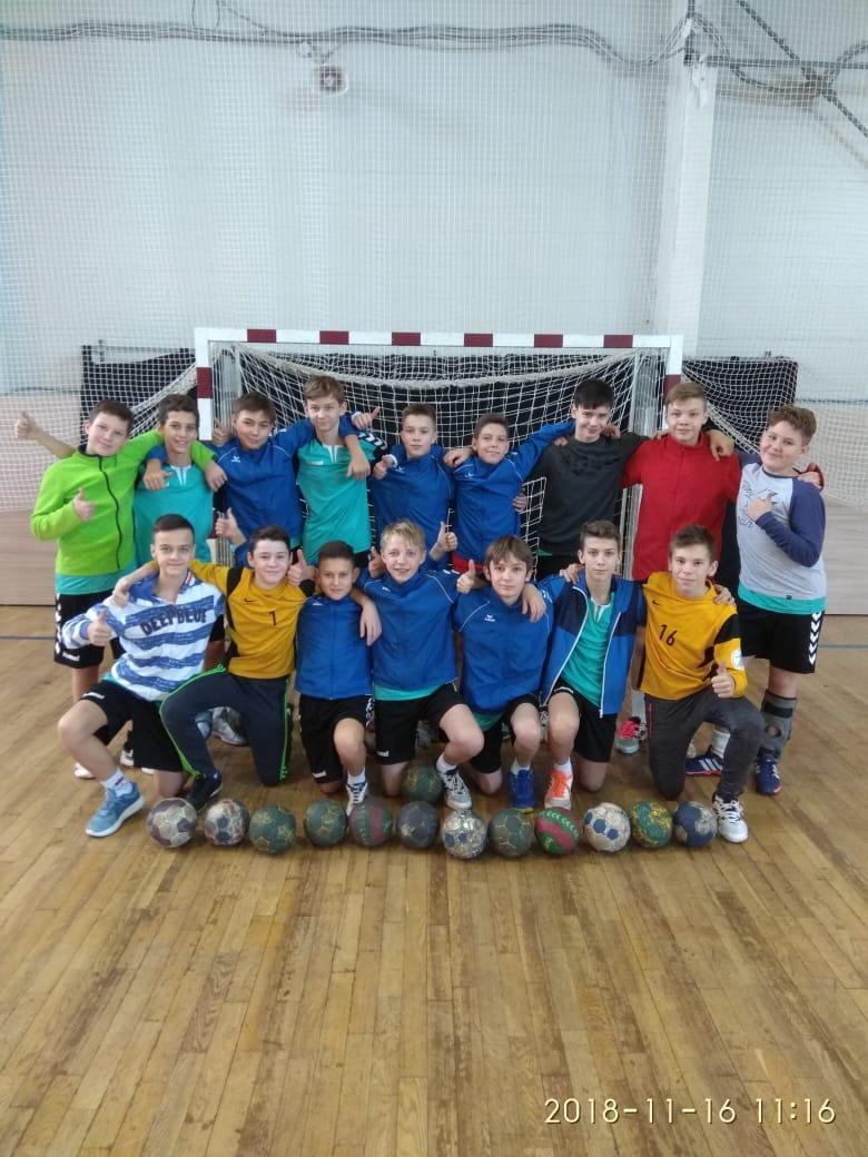 Завершился зональный этап Всероссийских соревн ований по гандболу среди юношей 2005 г.р.